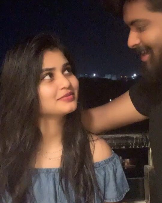 Indian cute girl couples