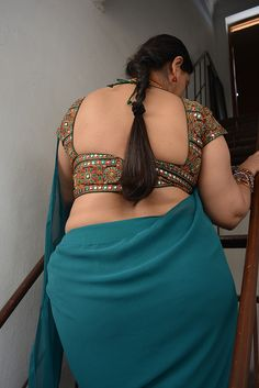 Indian aunty in skirts porn images
