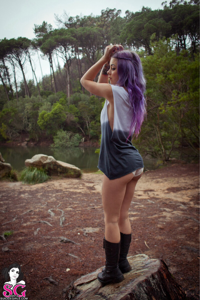 Maisie suicide girl gallery